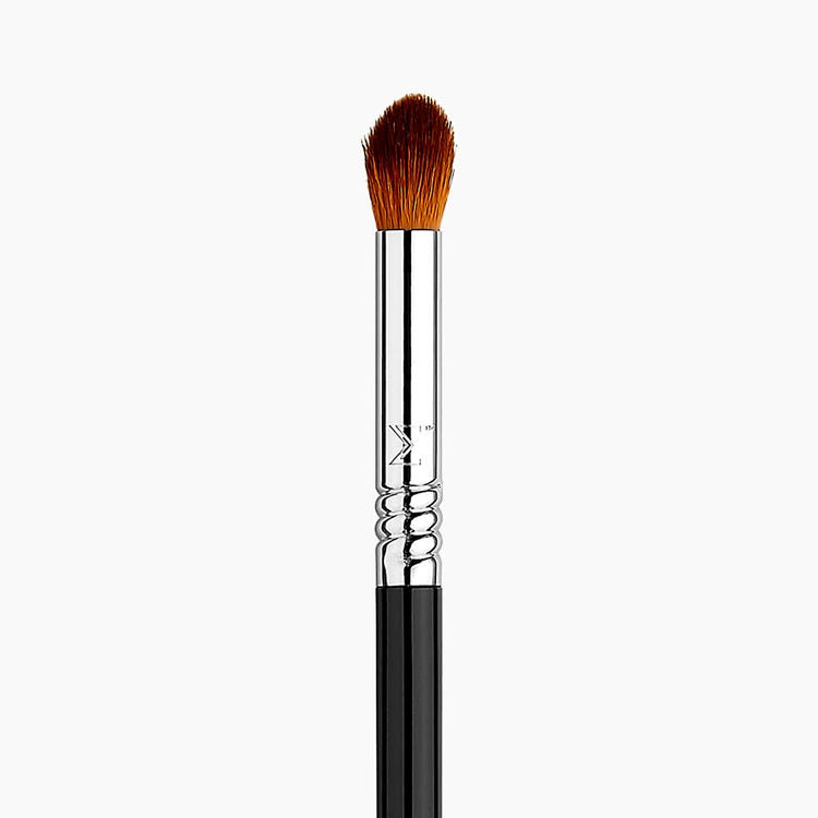 E44 Firm Blender Eye Brush - Black/Chrome