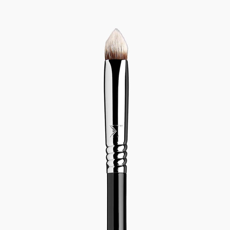 4DHD™ Precision Makeup Brush