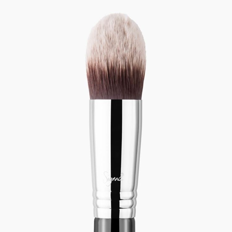 F86 Tapered Kabuki Brush close-up view
