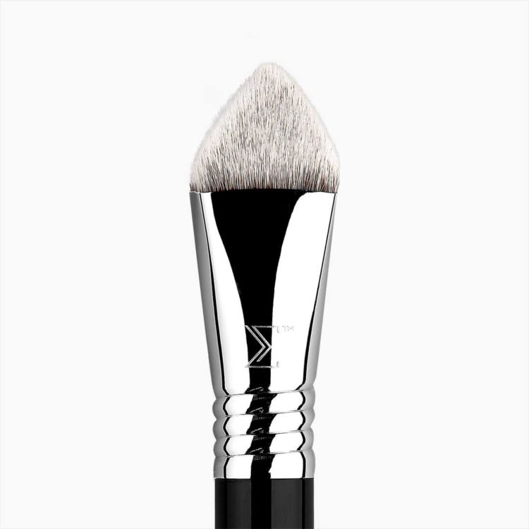 4DHD Kabuki Brush - close up
