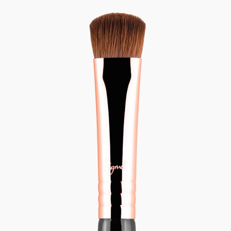 E59 Wide Shader Eye Brush Copper close-up view
