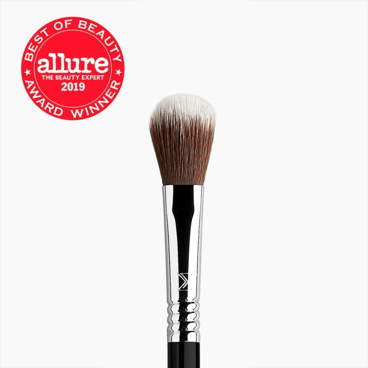 F03 High Cheekbone Highlighter™ Brush Hero