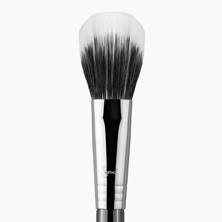 F15 Duo Fibre Powder/Blush Brush Chrome close-up view