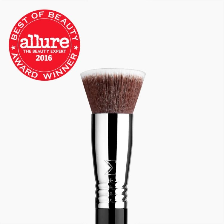 F80 Flat Kabuki™ Brush - Black/Chrome