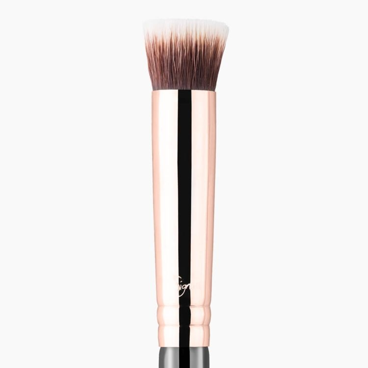 P80 Precision Flat Brush Copper close-up view