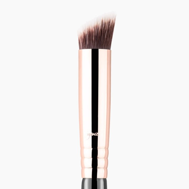 P88 Precision Flat Angled™ Brush Copper close-up