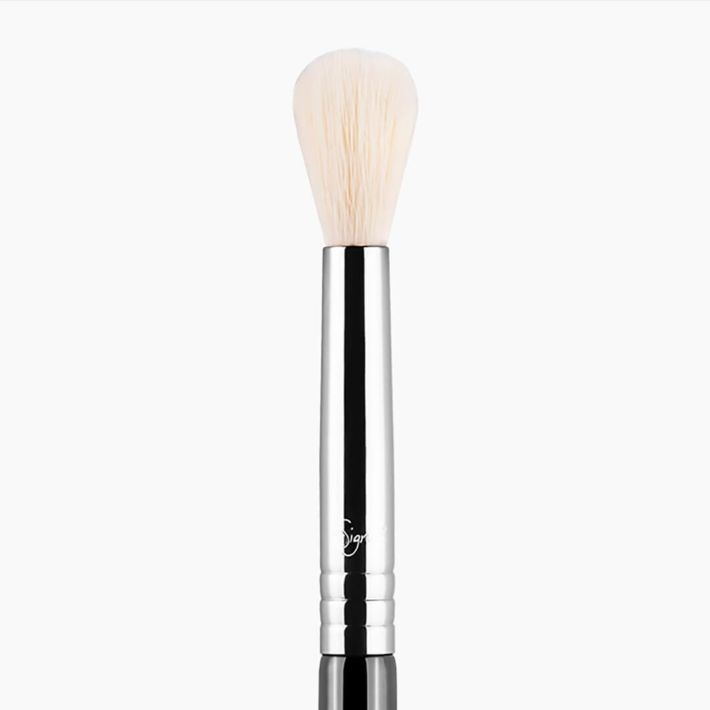 E35 Tapered Blending Eye Brush