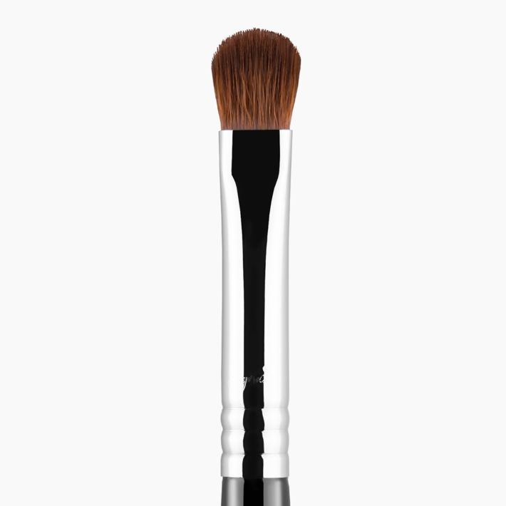 E54 Medium Sweeper™ Eye Brush