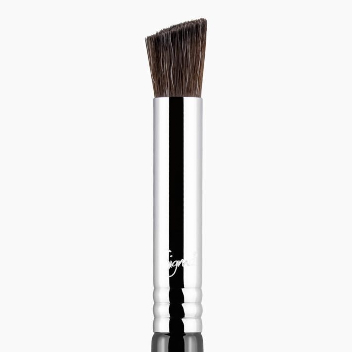 E71 Highlight Diffuser Eye Brush close-up view