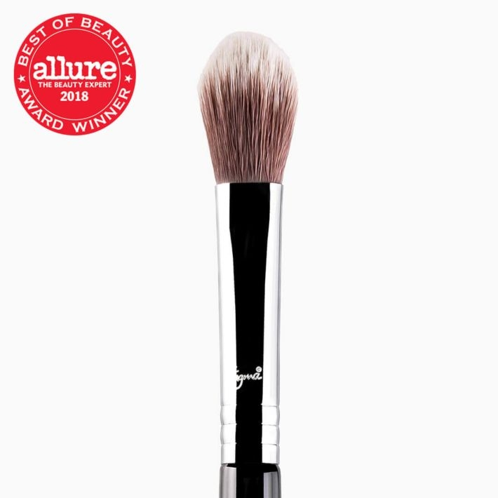 F03 High Cheekbone Highlighter™ Brush