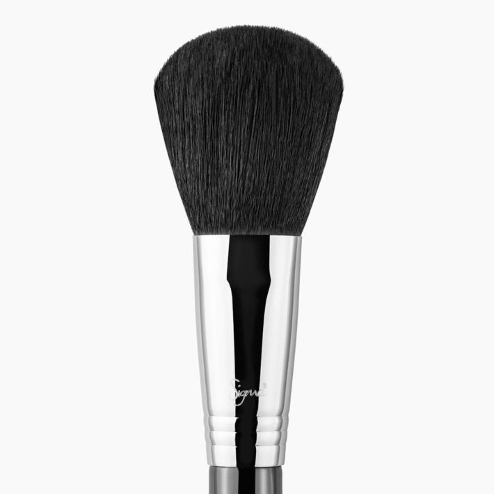 F30 Large Powder Makeup Brush close-up view