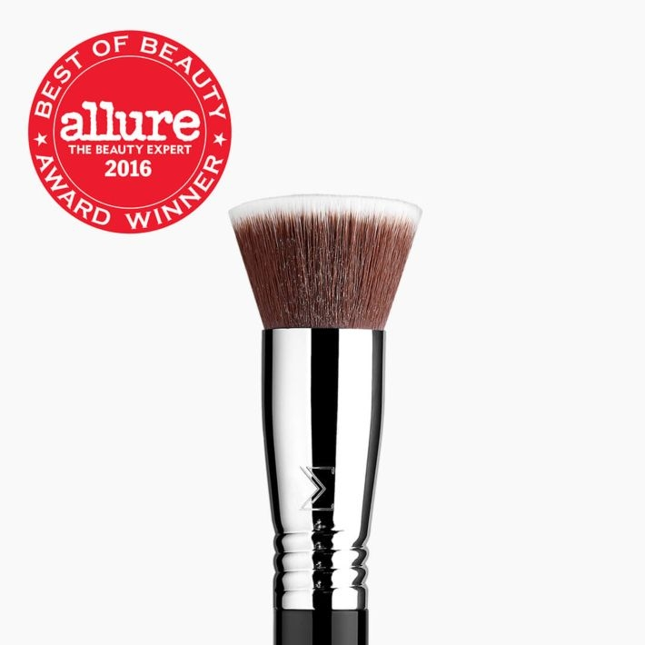 F80 Flat Kabuki™ Brush Allure Award