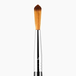 F71 Detail Concealer™ Brush by Sigma Beauty