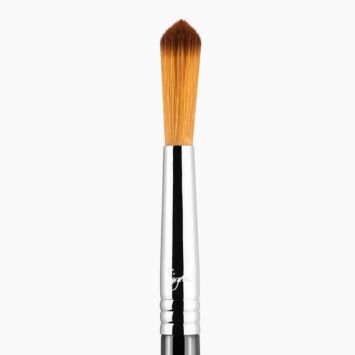 E48 Pointed Crease™ Brush