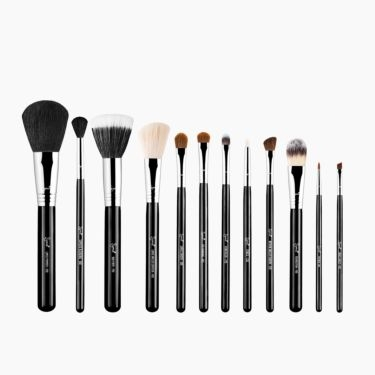 Essential Brush Kit - Make Me Classy