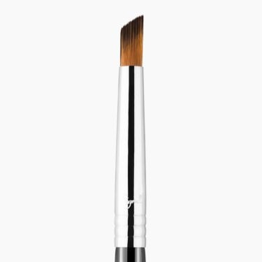 F69 Angled Pixel Concealer Brush close-up view
