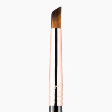 F69 Angled Pixel Concealer Brush Copper close-up view