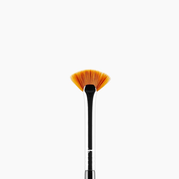 E04 Lash Fan Eye Brush