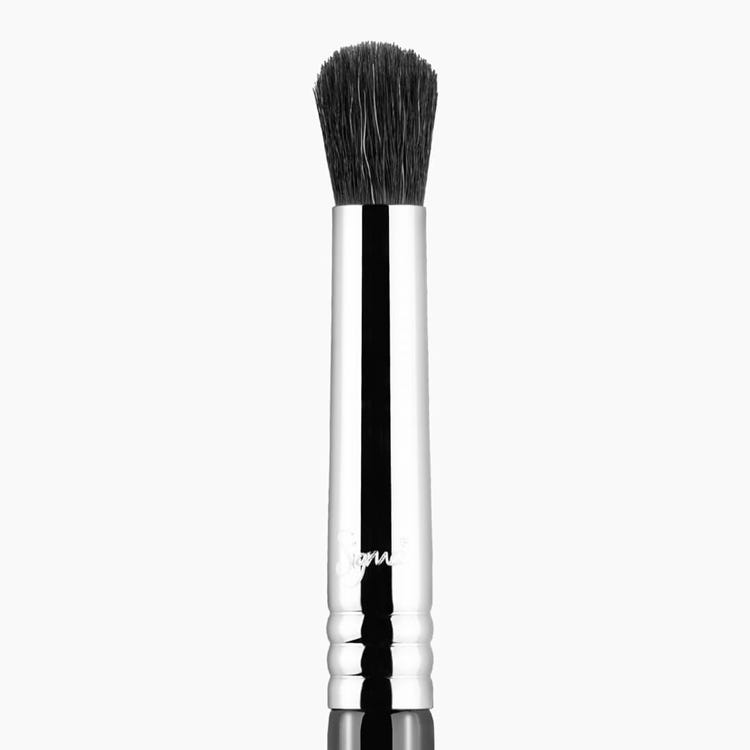 E39 Buff and Blend™ Eye Brush - Black/Chrome