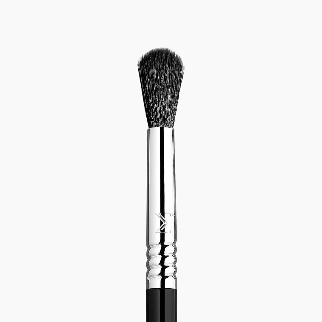 E40 Tapered Blending Eye Brush - Black/Chrome