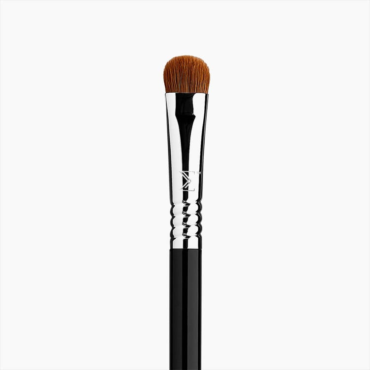 E55 Eye Shading Brush - Black/Chrome