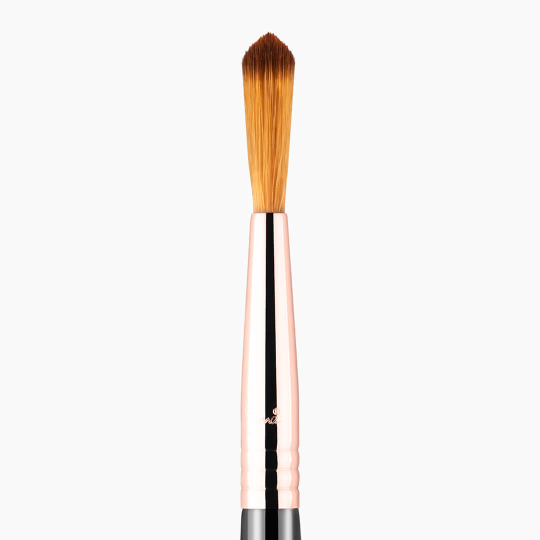 F71 Detail Concealer Brush Copper close-up view