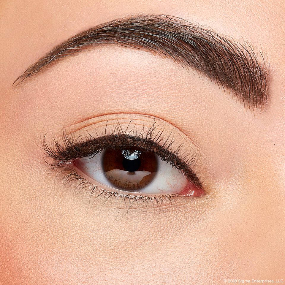 8 Steps to Perfect Winged Eyeliner